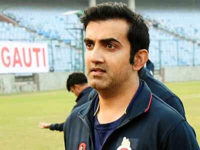 पूर्व क्रिकेटर और राजनेता गौतम गंभीर ने कोहली के इस फैसले को RCB के लिये नुकसानदायक बताया है.