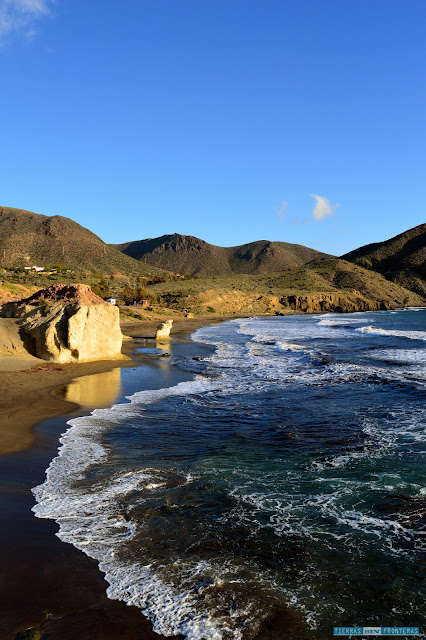 La cala del Peñón Blanco en la Isleta del Moro