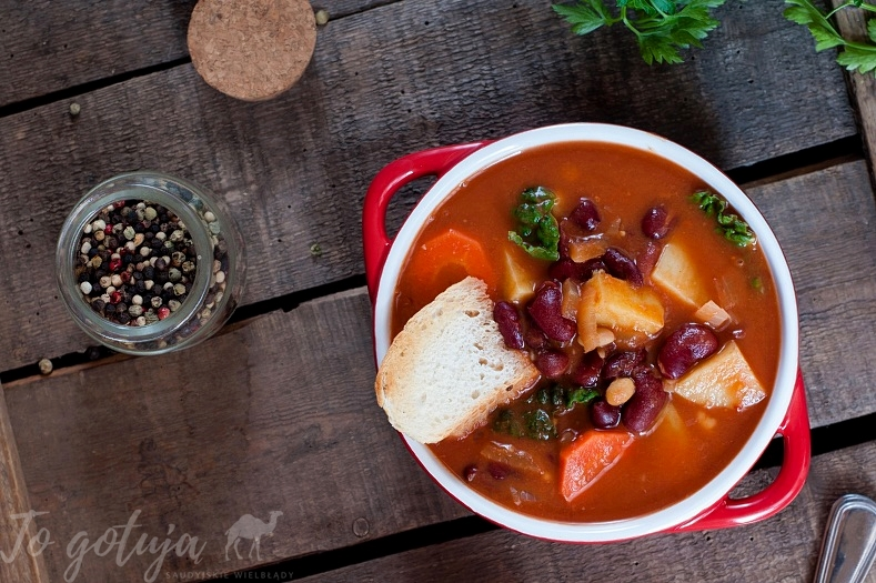 Ribollita - toskanska zupa z fasoli