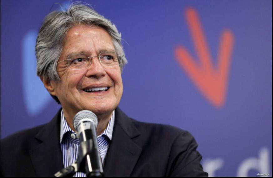El presidente electo de Ecuador, Guillermo Lasso, habla con los medios en Quito, el lunes 12 de abril / REUTERS
