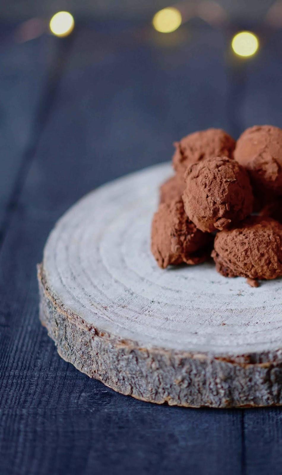 chocolat noir , chocolat blond dulcey , truffes , ganache moelleuse , recette de noel