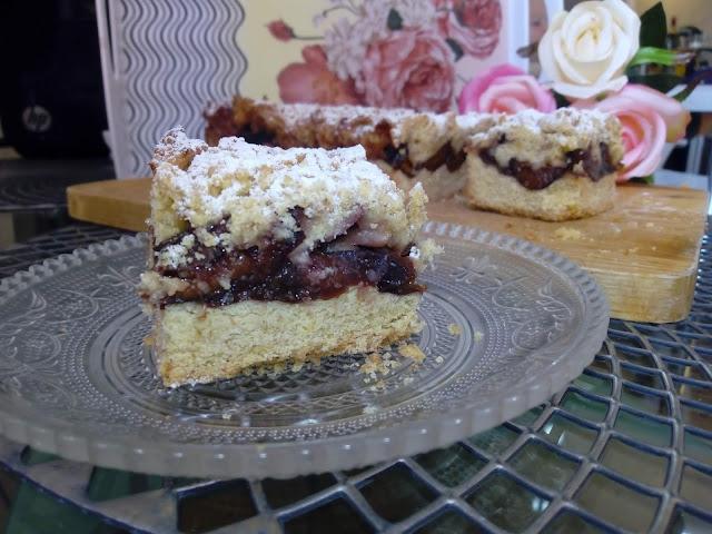 ciasto kruche ze sliwkami ciasto kukurydziane ciasto z maki kukurydzianej ciasto ze sliwkami mrozonymi ciasto z wegierkami ciasto sliwkowe