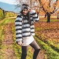 Długi sweterek jako sukienka na jesień