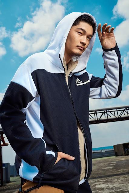Leo王身著的adidas Z.N.E.系列外套,採用太空混棉結合PRIMEGREEN環保紗線,用雙面針織工法帶來保暖、輕巧與透氣三者並兼的穿著感受