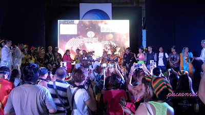 All Zumba instructors on stage. This is why it is called World Beatz. Not only the participants, the ZINs are in costumes / attires which signify the countries they represent- Philippines,  Korea, Japan, India, Thailand, USA, Mexico, Colombia, Brazil, Mauritius, Trinidad and Tobago, Jamaica, and Egypt.