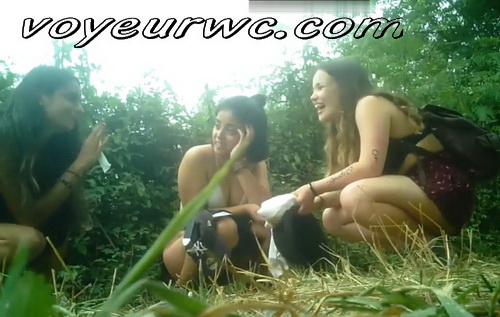 Girls Gotta Go 145, 207, 211 (Voyeur pee videos - Drunk spanish chicks peeing in public at festival)