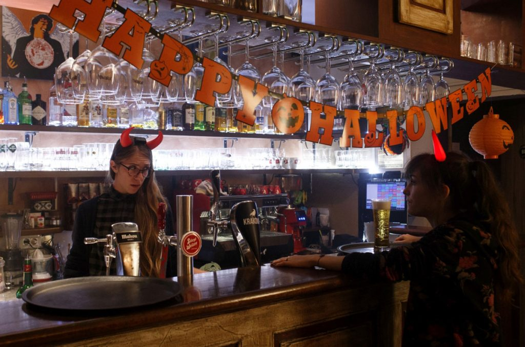 bartender spela