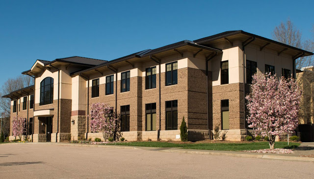 Stewart Engineers headquarters - Large roof eases with well-groomed landscaping