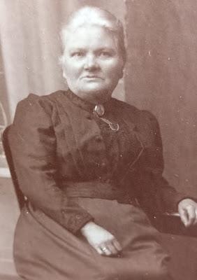 Isabella Hunter born McKinlay 1856 Prestonpans