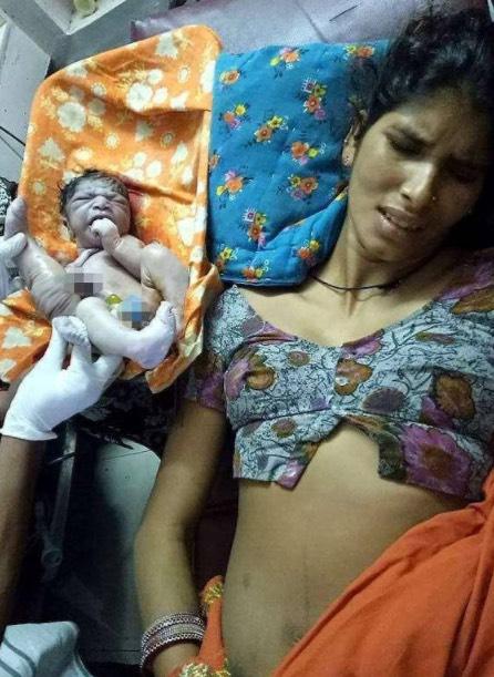 Penduduk Kampung Sebulat Suara Membuang Bayi Ini Setelah Melihatnya, Mujur Muncul 'Pahlawan' Penyelamat Hidupnya!