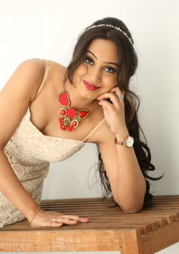 Amulya Spicy Photos Telugu Gallery - Shiner Photos-3019