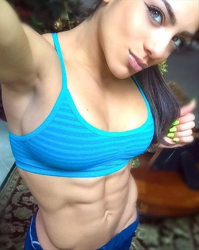 Fitness Model Ariel Khadr Instagram