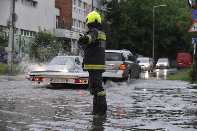 Vihar: jellemzően a sok eső miatt riasztották a tűzoltókat