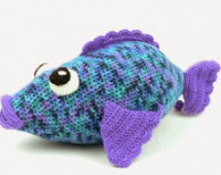 http://www.yarnspirations.com/assets/files/pattern-files/%5Bnode%3Aid%5D/pdf/en/Big%20Rainbow%20Fish%20_%20Yarn%20_%20Free%20Knitting%20Patterns%20_%20Crochet%20Patterns%20_%20Yarnspirations.pdf