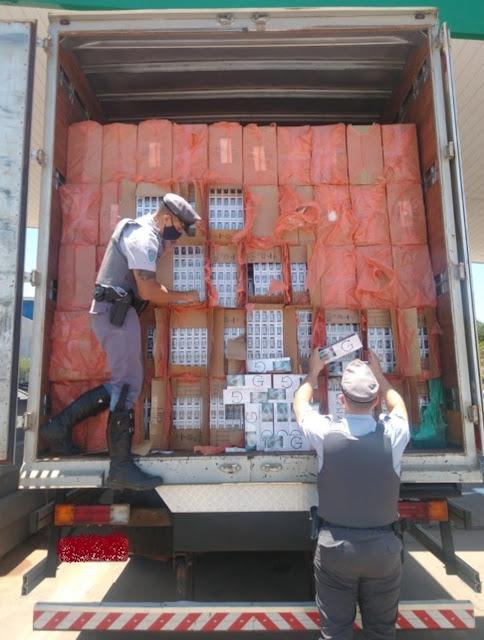 Carga de cigarros contrabandeados é apreendida pela Polícia Rodoviária - Adamantina Notìcias