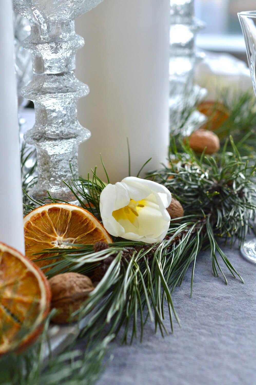 tulppaanit joulukattauksessa