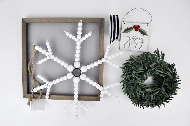 Christmas Snowflake Sign Tutorial with items from Hobby Lobby. #hobbylobby #christmasdecor #christmasdiy #jengallacher