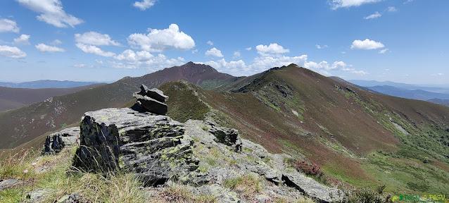 Pequeña cima camino al Ancares