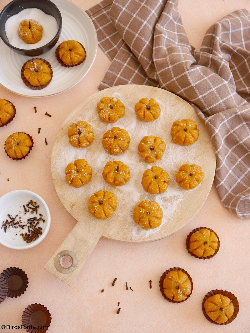 Truffes ou Brigadeiros Brésiliens à la Citrouille - des friandises faciles et délicieuses avec toutes les saveurs de la tarte à la citrouille - parfaites pour Halloween ou Thanksgiving!