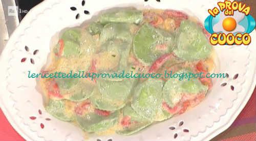 Prova del cuoco - Ingredienti e procedimento della ricetta Tortelli di crescenza con salsa di peperoni di Daniele Persegani