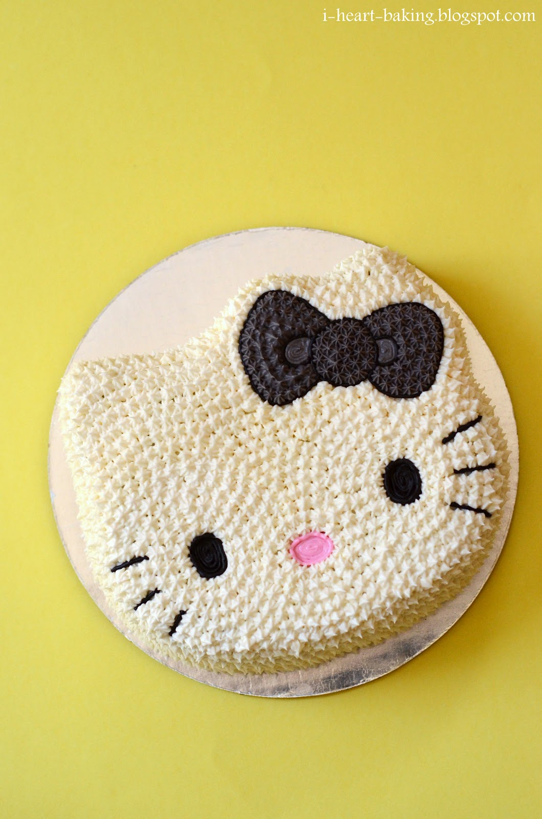 Hello Kitty Tarot Deck: I Heart Baking!: Hello Kitty Cake And Cupcakes