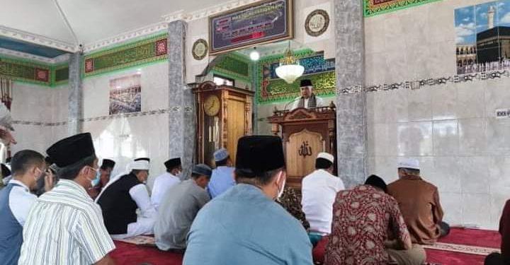 Bupati Adirozal Menjadi Khatib Jum'at di Masjid Al Istiqamah Telago Biru Siulak Gedang