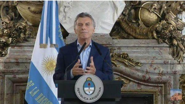 Mauricio Macri anuncia reducción de hasta el 25% del Estado