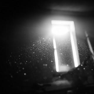 photo-dust-light-window-bokeh-11025.jpg
