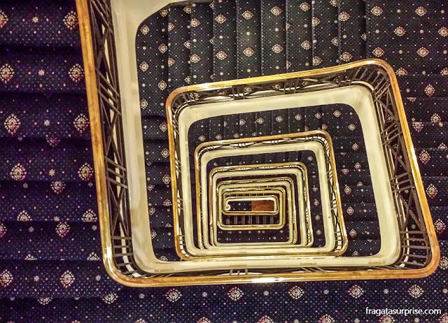 Escadaria do Hotel Adelphi, em Liverpool