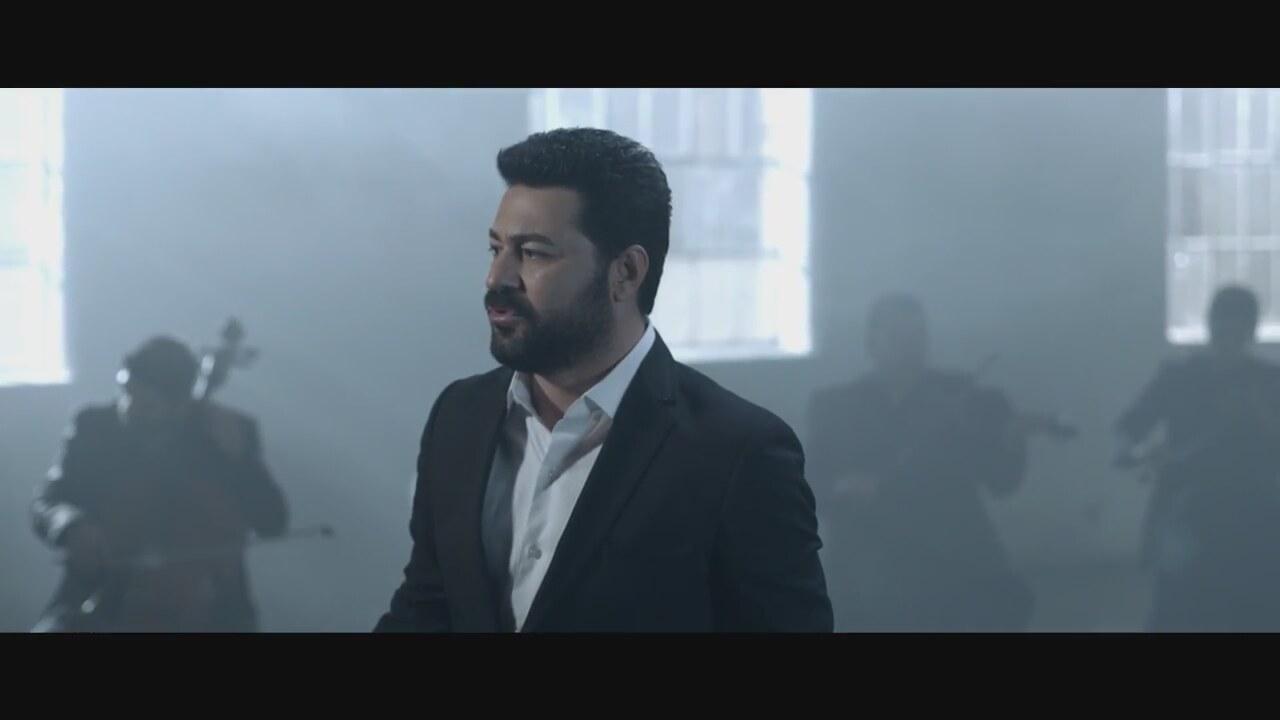 Mustafa Ceceli Aşığız Şarkı Sözü (Aşığız Deliler Gibi Sözleri)