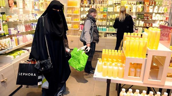 Montpellier : le préfet rappelle l'interdiction du port du voile islamique intégral