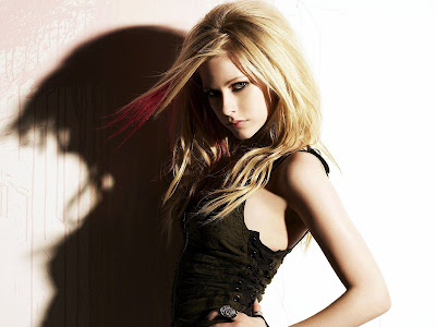 Avril Lavigne Normal Resolution HD Wallpaper