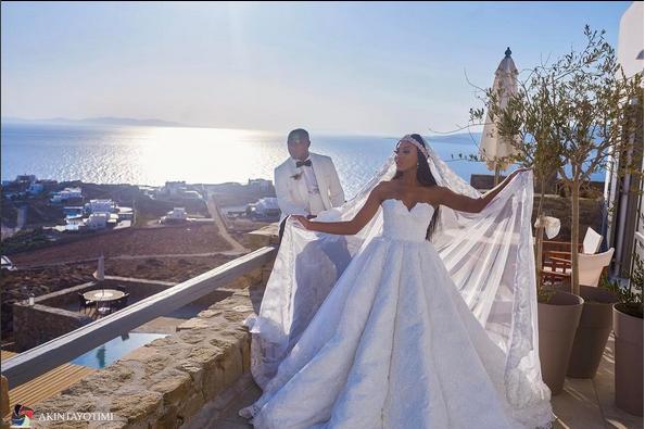 Stephanie-Coker-Olumide-Aderinokun-white-wedding-2