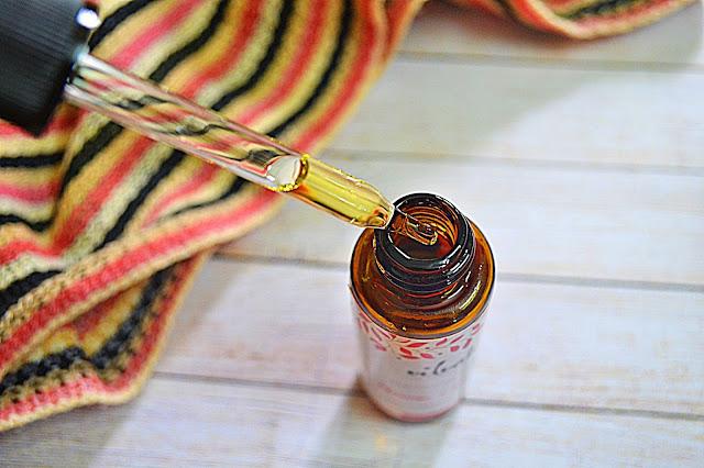 Vilvah Beautifying Serum Packaging