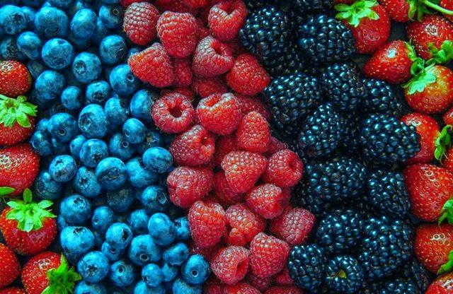berries, 7 makanan sehat yang berbahaya