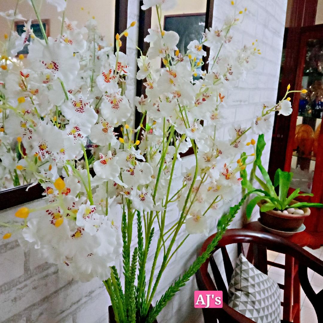 Gubahan Sepasu Bunga Orkid