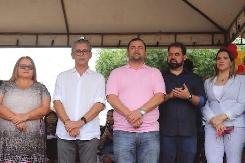 Vinicius Louro acompanha entrega de obras em comemoração aos 59 anos de Lima Campos