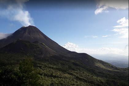 Gunung Soputan Sulawesi Utara Ikut Meletus di Tahun 2018