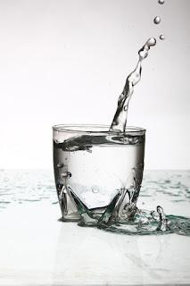 khasiat minum air putih secara rutin
