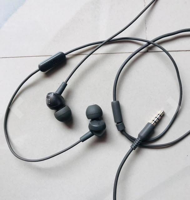 10 Best earphones under 1000 with mic in india 2020