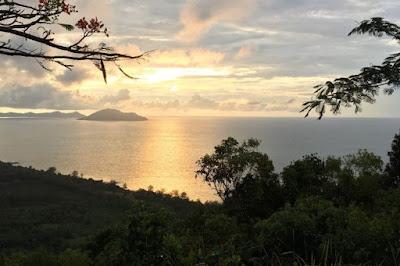 Wisata Pantai Spot Sunset Terbaik di Kalimantan Barat