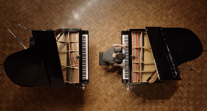 "Brilliant Pianist Plays A One Note Piano In Latest Ad For Google Android - ""Monotune"""