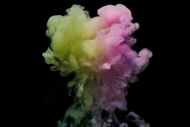 bałagan, twórczy nieład, zabawy plastyczne dla dzieci, zajęcia plastyczne, kredki, pastele, farby, sprzątanie, brudzenie