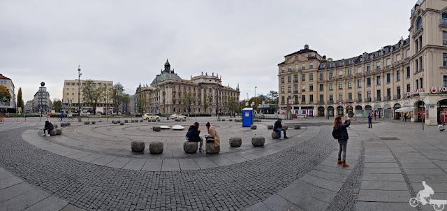 plaza karlsplatz
