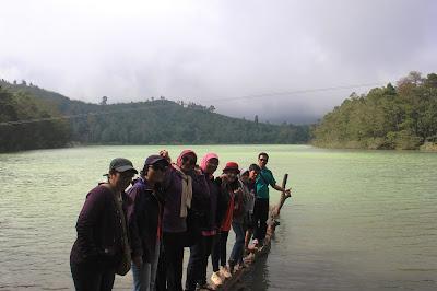 http://mandiriransel.blogspot.co.id/2015/11/bukan-cuma-pegunungan-dieng-juga-punya.html