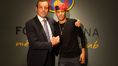Neymar và Messi đang ở những thái cực trái ngược