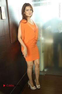 Actress Saloni Aswani Pos in Short Dress at Meelo Evaru Koteeswarudu Movie Interview  0286.JPG