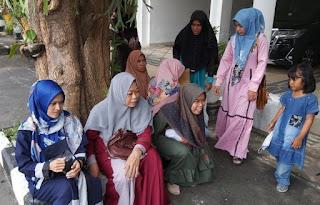 Pengungsi Syiah Sampang Mengadukan Nasib ke Gubernur