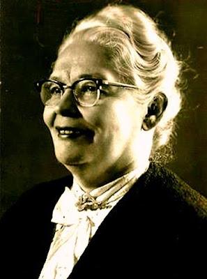 O piano popular brasileiro celebra 123 anos de Tia Amélia.