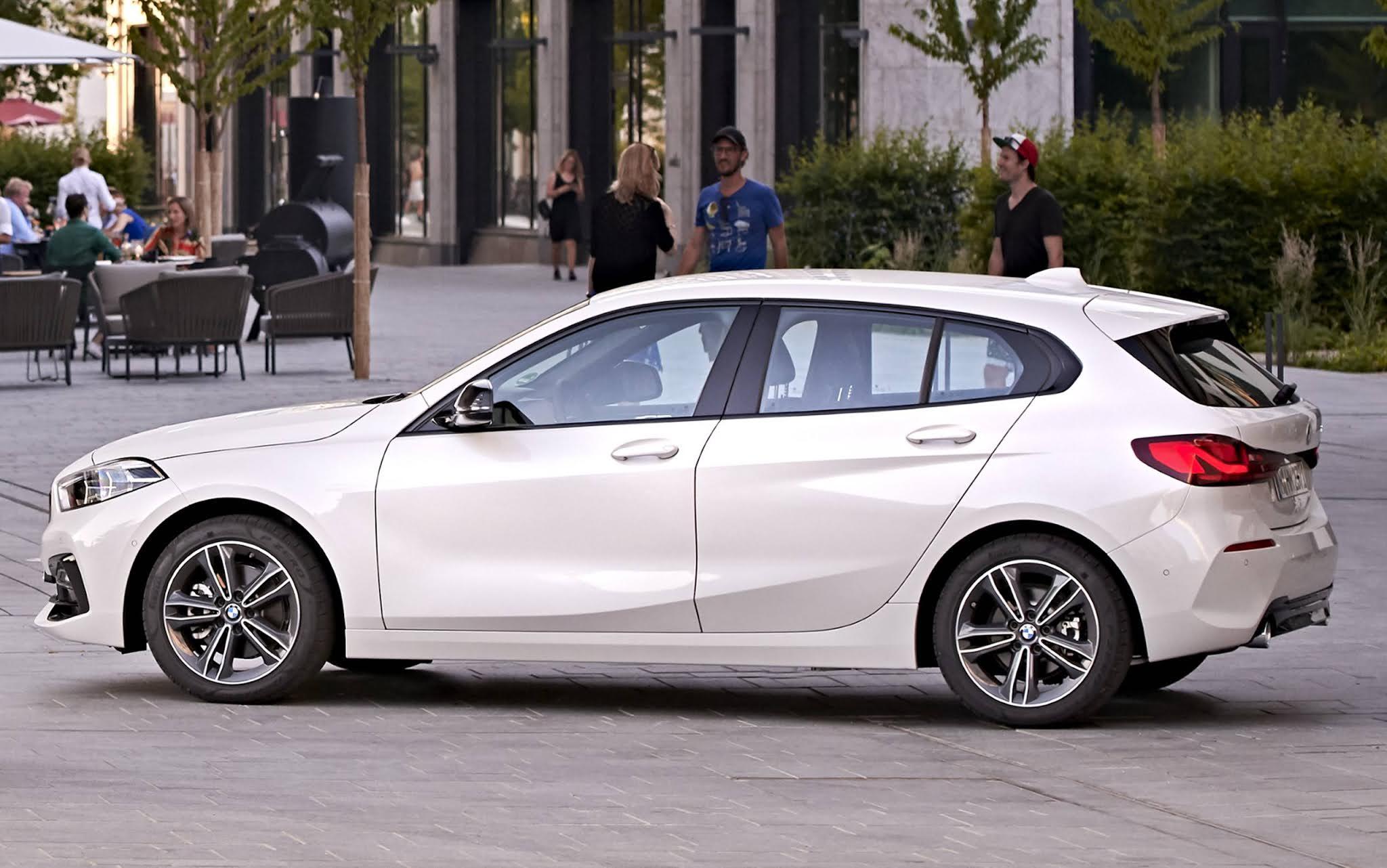 BMW 118i 2022 - preço